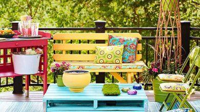 Použíte nábytok s výraznými farbami.