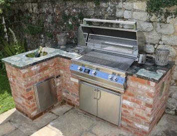 kuchynska pracovna doska do zahrady Vonkajšia kuchyňa