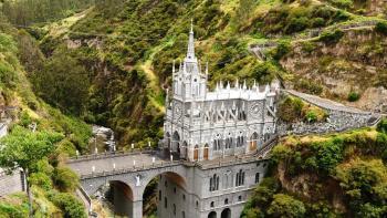 Svatina 10 najúžasnejších kostolov na svete