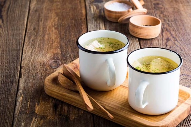 How to Make Homemade Chicken Bone Broth for Dogs