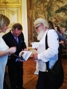 Artistul Mihai Topescu si printul Michel de Ligne