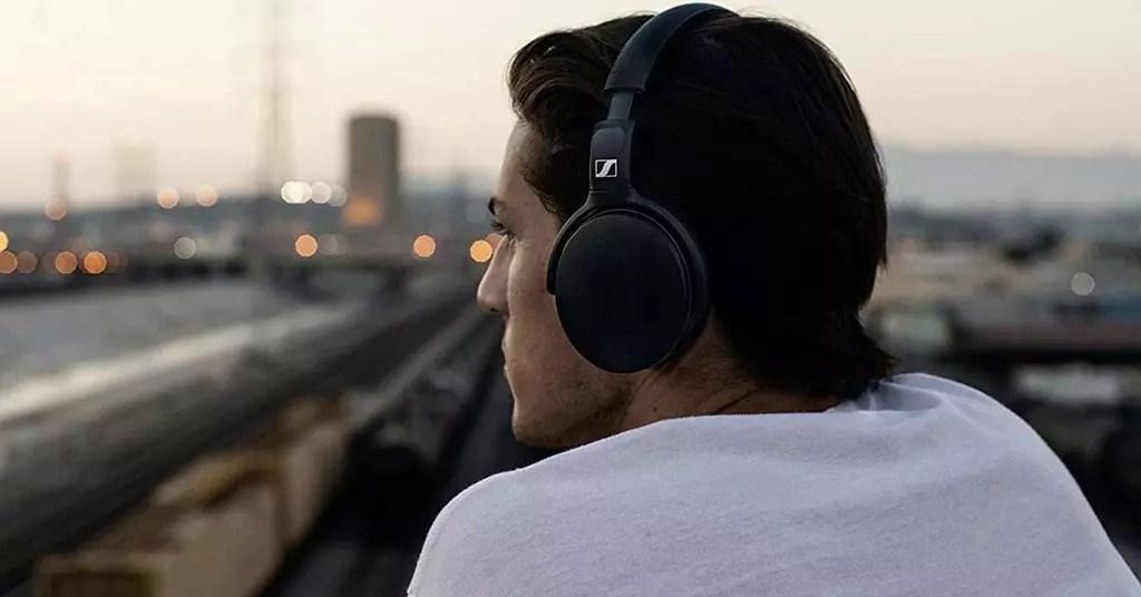 Uso de unos auriculares de Sennheiser