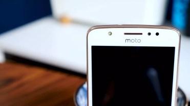 Flash frontal del Moto E
