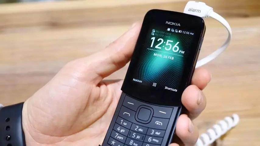 Nokia 8110 de frente