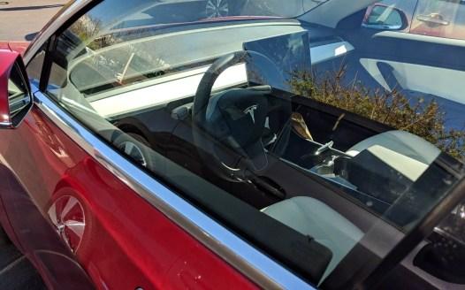 Salpicadero de color blanco en Tesla 3