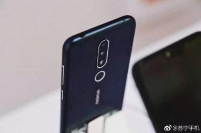 Toma de auriculares en el Nokia X