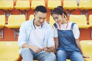 Uso de los auricualres Xiaomi Bluetooth Collar Youth Edition