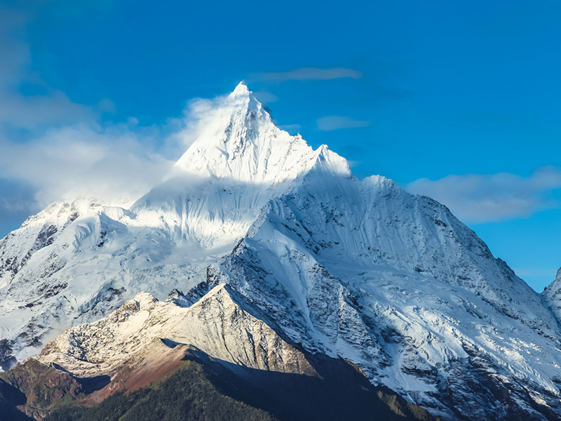 Kawaboge Peak of Meili Snow Mountain in Yunnan China. Photo: LAOLUSHANGLAI