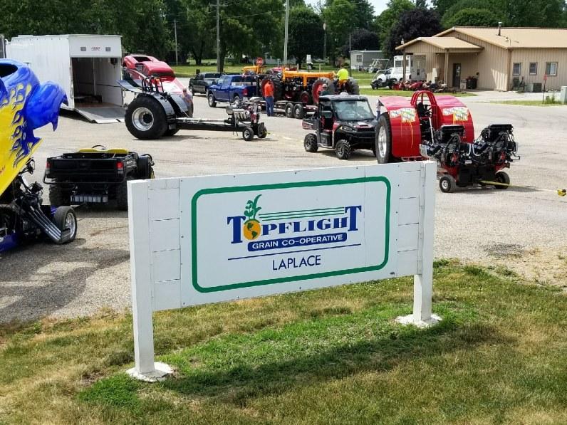 Tractor Pull - Around Topflight Grain 2017