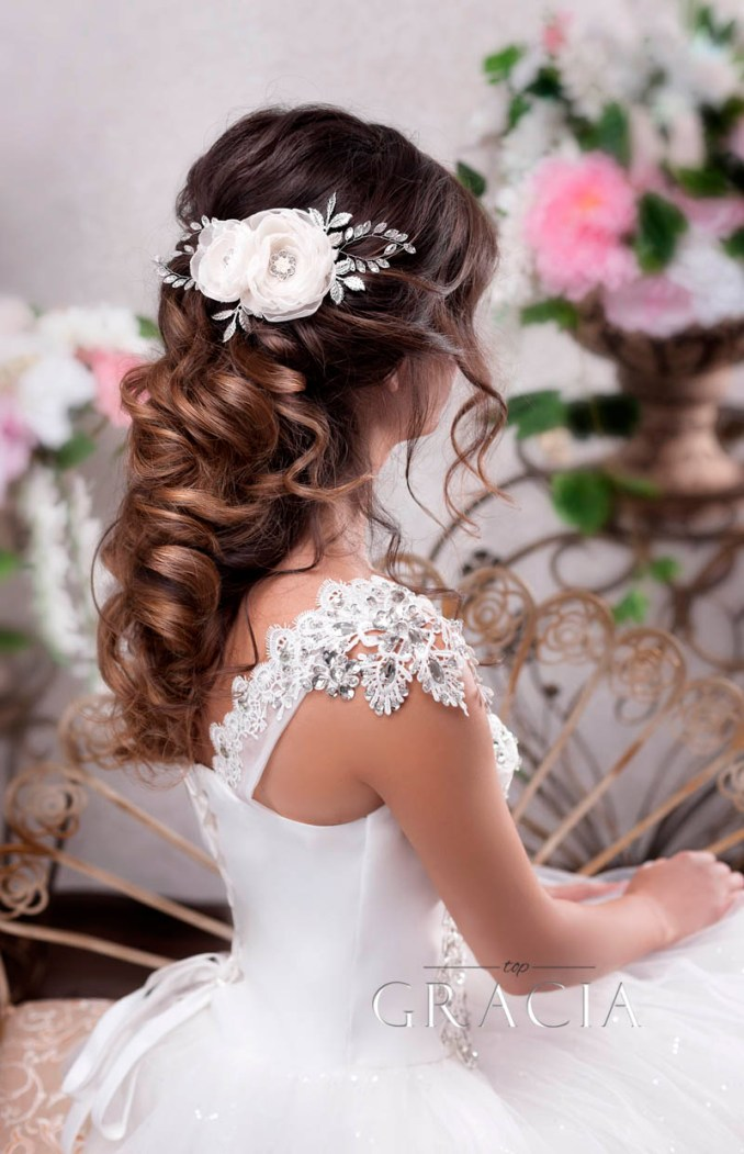 6 romantic bridal hair half up half down hairstyle with veil