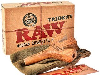 RAW Trident Wooden Cigarette Holder
