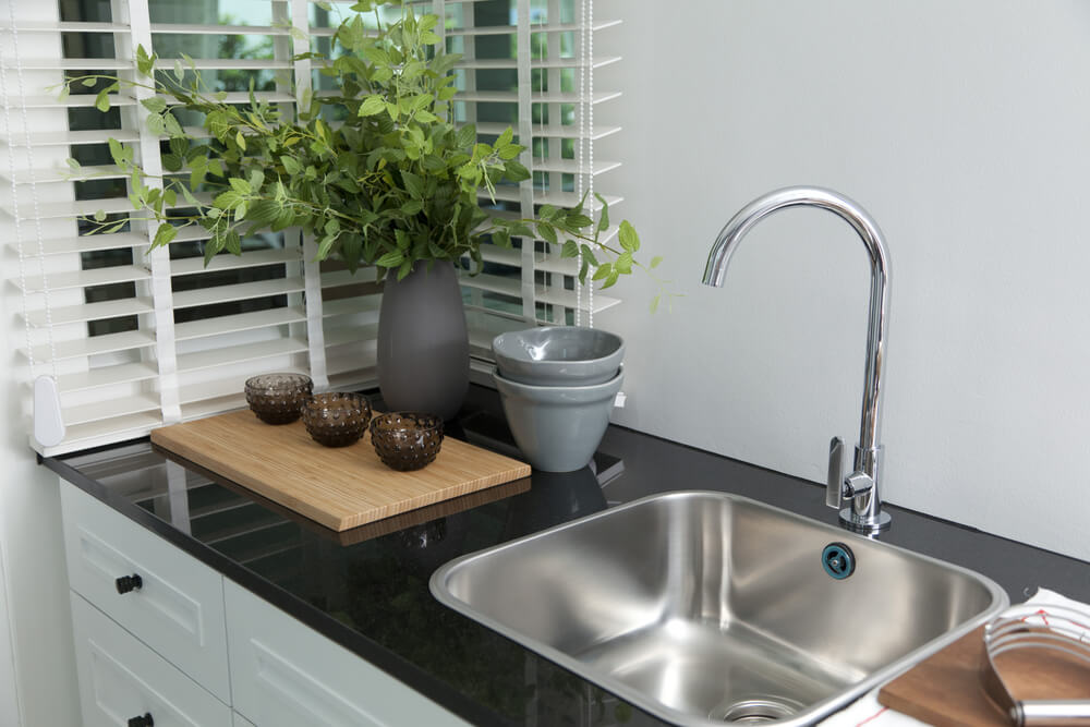kitchen sink and faucet 1