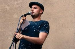 Marvin Weinstein auf der Bühne, Fußball Slam Juni 2018 Beyerhaus Leipzig Topical Island Poetry Slam