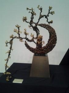圖說1:朱炳仁熔銅藝作品《厚德涵畇》。