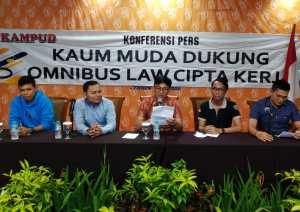 IMG 20200227 WA0134 300x212 - KAMPUD: UU Omnibus Law Mendorong Terciptanya Lapangan Kerja di Tengah Stagnasi Ekonomi