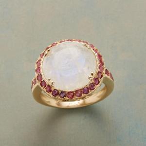 Anik Kastan Ruby Moon Ring
