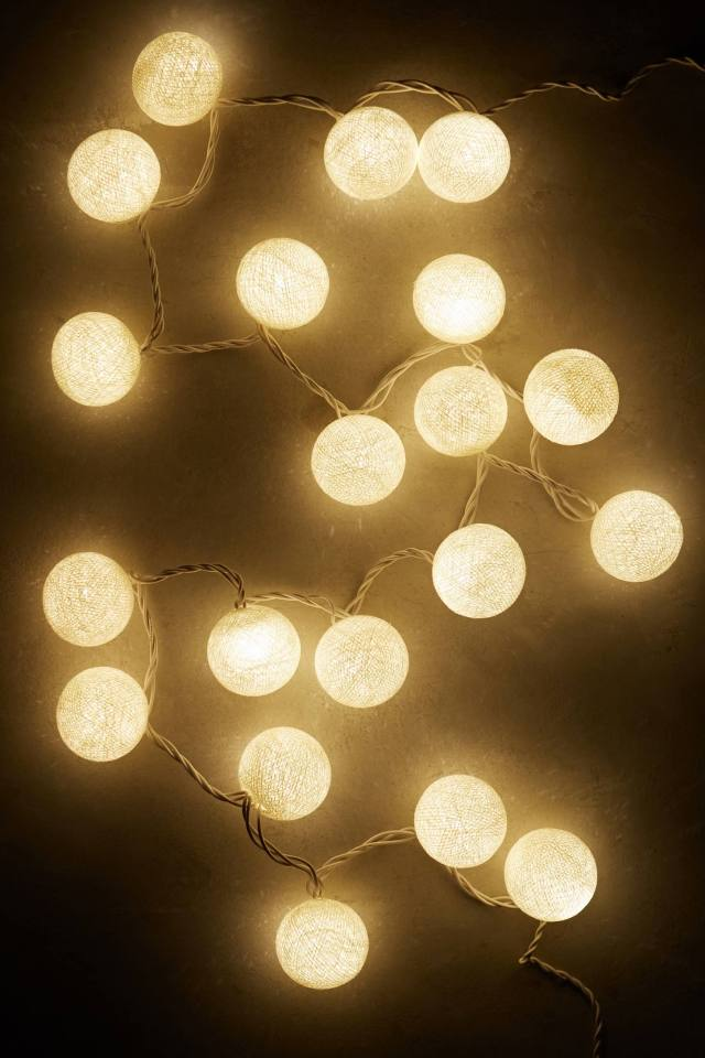 String Lights Moon : Anthropologie s New Arrivals: Decorate your Walls - Topista