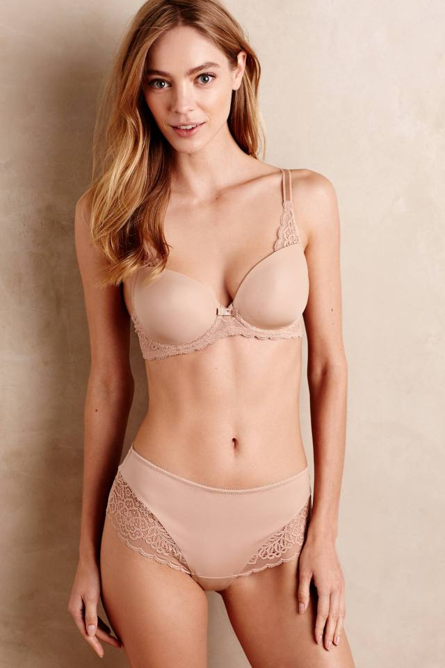 Scalloped Lace Hipsters by Triumph