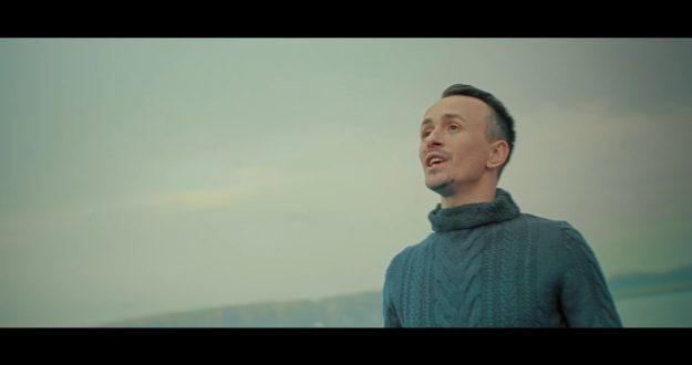 Alexandru Cibotaru - Prima dragoste (перевод)