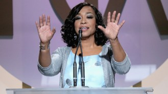 CENTURY CITY, CA - JANUARY 23: Shonda Rhimes accepts the Norman Lear Achievement Award onstage at the 27th Annual Producers Guild Awards at the Hyatt Regency Century Plaza on January 23, 2016 in Century City, California. (Photo by Mark Davis/WireImage)