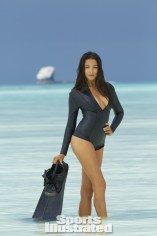 Jessica-Gomes -SI-2014-Sports-Illustrated-2014-Swimsuit-Issue--07-720x1084