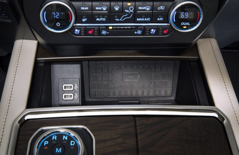 2018 Ford Expedition Interior Front Console