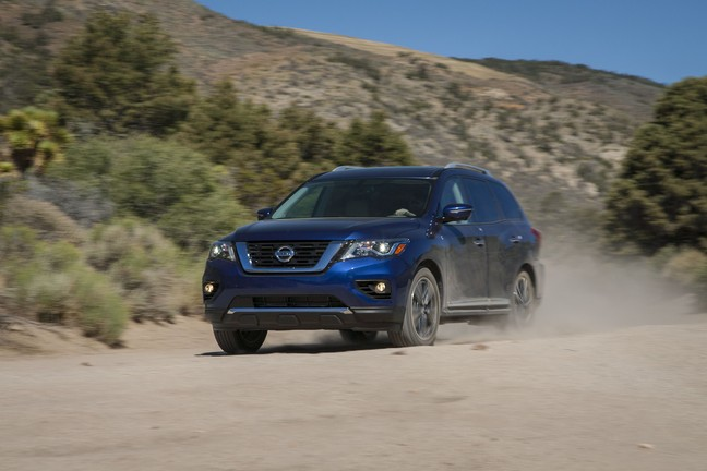 2018 Nissan Pathfinder - Exterior Driving Action
