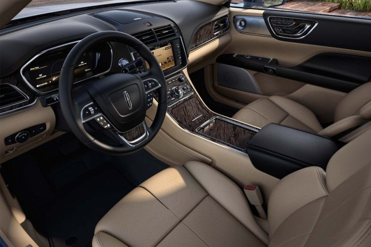 2018 Lincoln Continental - interior dash