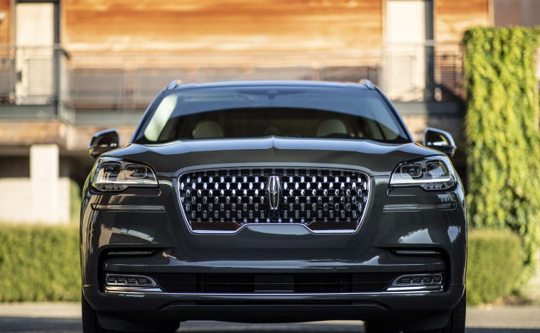 2020-Lincoln-Aviator-Front-Close-Up