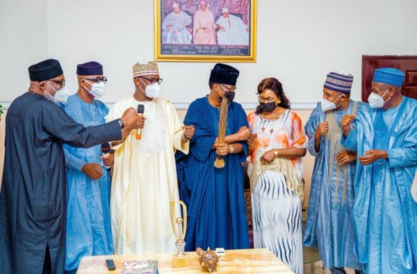 Daniel-and-his-wife-with-the-APC-governors-