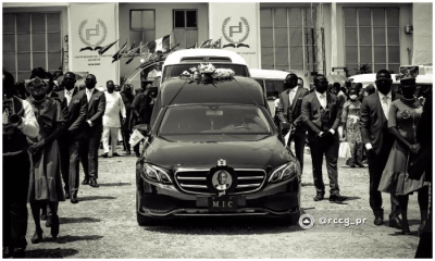 Tears as Pastor Dare Adeboye is buried [PHOTOS]