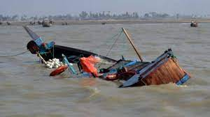 How boat mishap claimed 15 lives in Niger, 17 rescued-TopNaija.ng