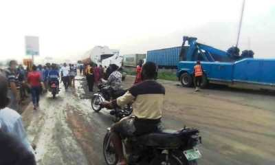 Tanker accident causes gridlock on Lagos-Ibadan Expressway [PHOTOS]