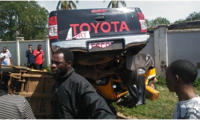 Tension as two escort vehicles ram into tricycles, kill two, injure others in Ilorin-TopNaija.ng