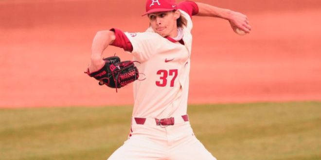 No. 2 Razorbacks' winning streak continues with sweep