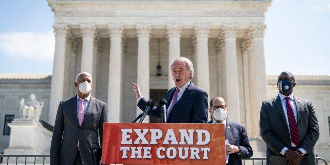 Democrats' Supreme Court Expansion Plan Draws Resistance