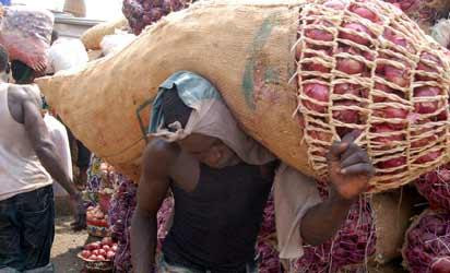 Onion traders threaten to cut supply to Southern Nigeria on Monday June 7