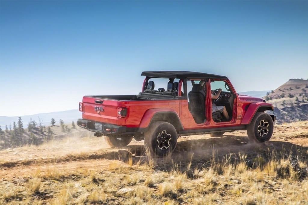 2020 Jeep Wrangler Pickup Images