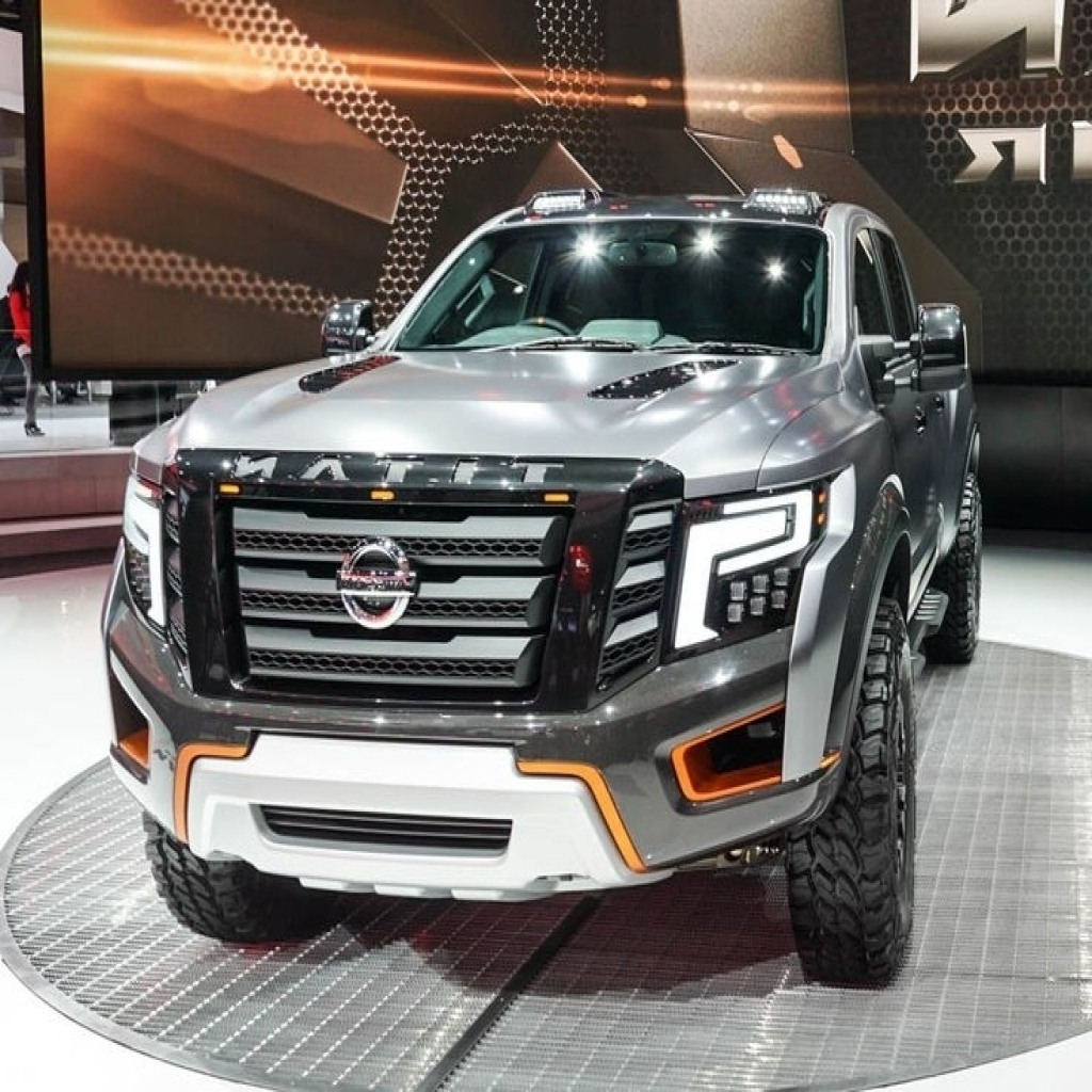 2020 Nissan Titan Pictures