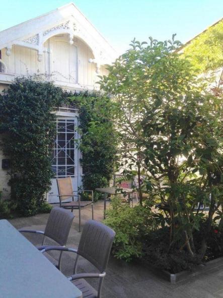 La Halte Montaigne โรงแรมที่พัก ที่พักในBordeaux (บอร์กโดซ์ , บอร์โด)
