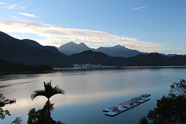 Ultimate 5-Day Tour - Sun Moon Lake & Alishan (阿里山)