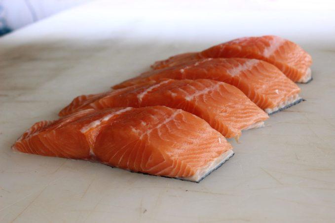 que pescado usar en la dieta barf