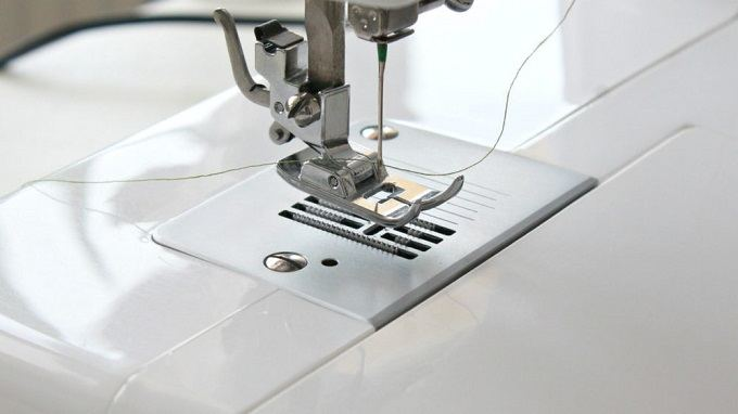 best-upholstery-sewing-machine-features