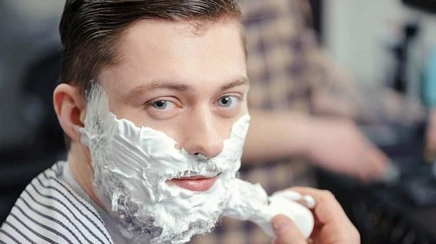 straight-razor-vs-safety-razor-how-long-does-a-safety-razor-blade-last