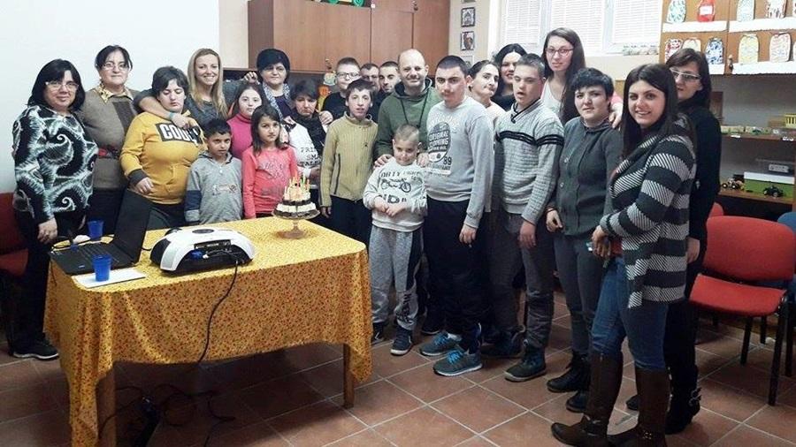 """Удружење """" Загрљај"""" из Тополе прославило свој рођендан"""