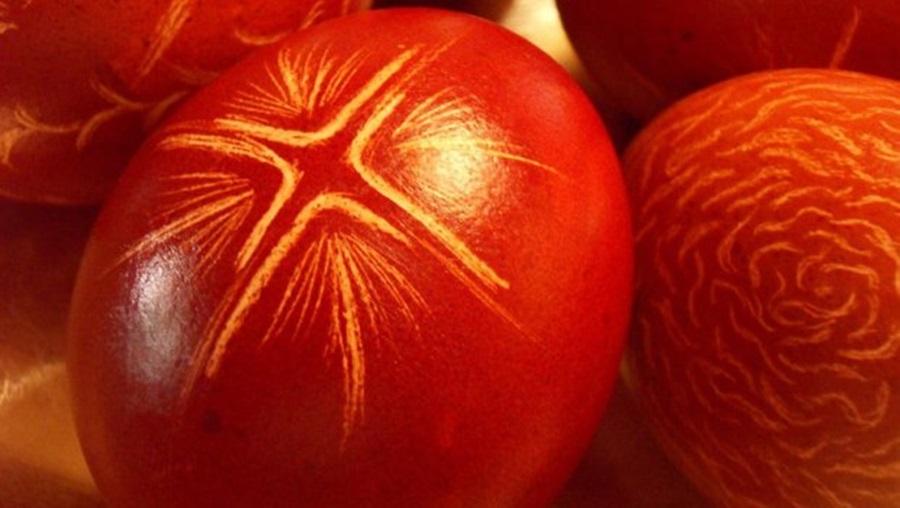 Црвено јаје древни симбол победе