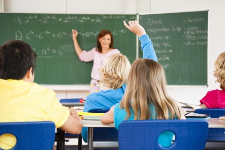 У школама 25.000 људи ради на одређено
