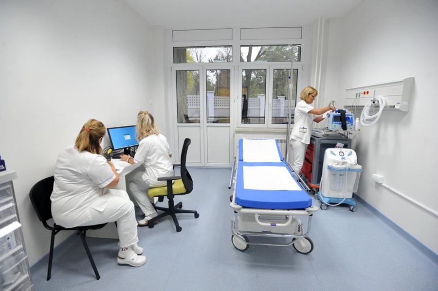 Лекарима девет, сестрама 12 одсто већа плата