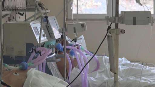 Близу 7.000 људи на болничком лечењу, оштрија контрола поштовања мера