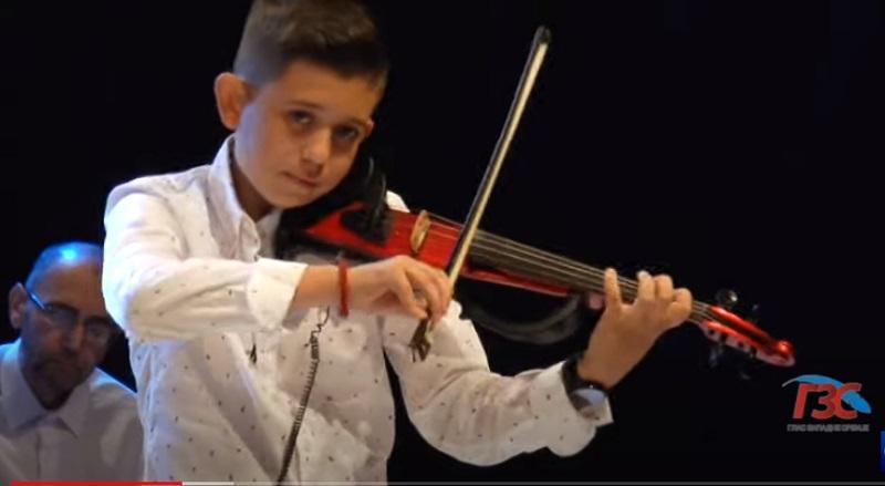 Млади виолиниста тешко повређен у саобраћајном удесу: Јоца Пироманац задобио повреде опасне по живот (ВИДЕО)
